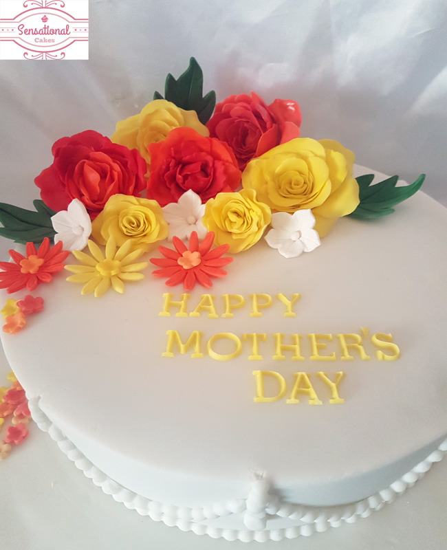 Pleasing Close Up Of Flower Mothers Day Cake Sensational Cakes Personalised Birthday Cards Cominlily Jamesorg